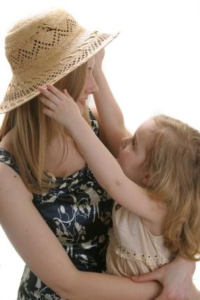 Avec SOSgarde, apprenez à faire une recherche de gardienne d'enfant d'été.
